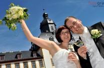 Hochzeit von Tobias und Nicole, auch der Wetterfrosch hatte beste Laune und zauberte einen strahlend blauen Himmel